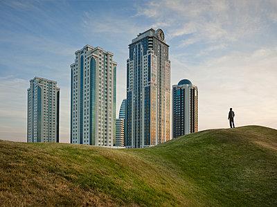 Hochhäuser des Grosny City Komplexes in Tschetschenien - p390m1092813 von Frank Herfort