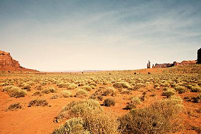 Monument Valley Nartional Park - p1525m2087250 von Hergen Schimpf