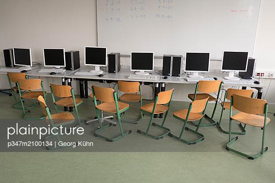 p347m2100134 by Georg Kühn