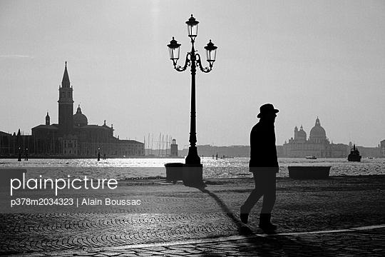 p378m2034323 von Alain Boussac