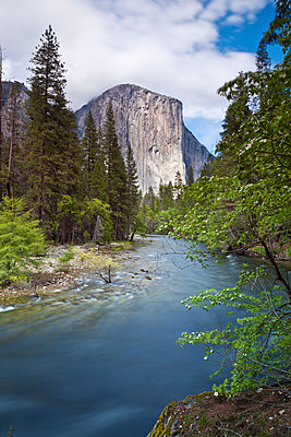 El Capitan, a 3000 feet granite monolith, with the Merced River flowing through Yosemite Valley, Yosemite National Park, UNESCO World Heritage Site, Sierra Nevada, California, United States of America, North America - p871m1073122f by Neale Clark