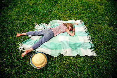 Picnic blanket - p1212m1145985 by harry + lidy