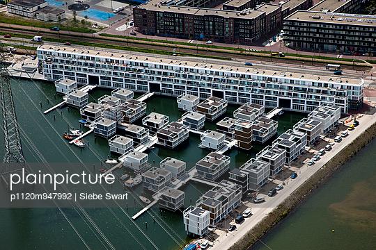 Schwimmende Häuser - p1120m947992 von Siebe Swart