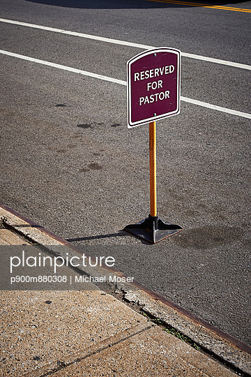 Reservation - p900m880308 by Michael Moser