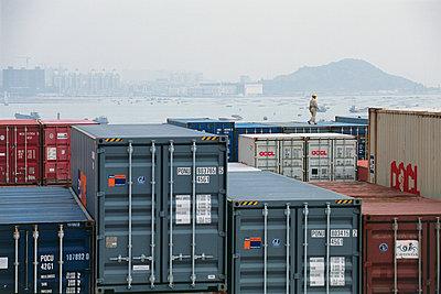 Im Hafen von Yantian China - p1099m1516908 von Sabine Vielmo