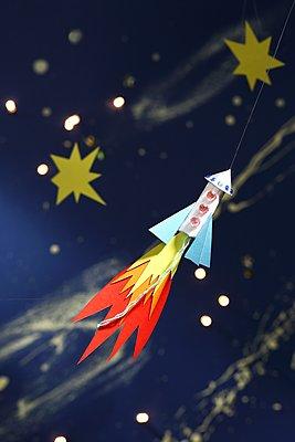 Tampon-Rakete - p237m1491259 von Thordis Rüggeberg