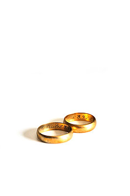 Used wedding rings - p8760047 by ganguin