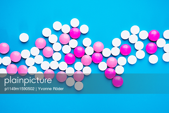 Pills - p1149m1590502 by Yvonne Röder