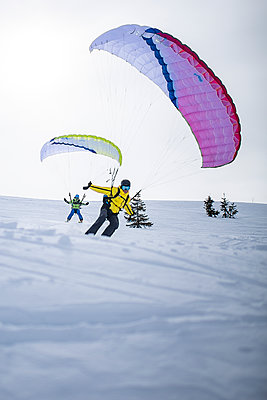 France, Speed riding in winter - p1007m2216572 by Tilby Vattard