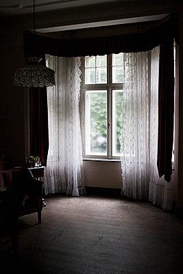 Villa - p586m823636 by Kniel Synnatzschke