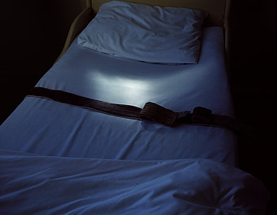 Bed with fixation strap - p945m1502139 by aurelia frey