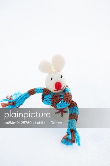 Snow mouse - p454m2125789 by Lubitz + Dorner