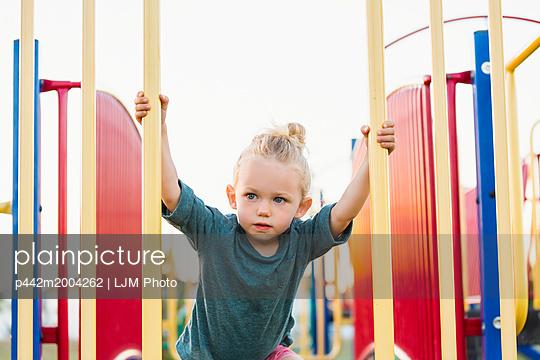 p442m2004262 von LJM Photo
