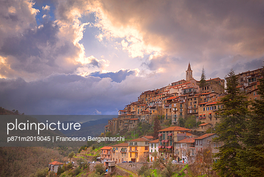 p871m2019045 von Francesco Bergamaschi