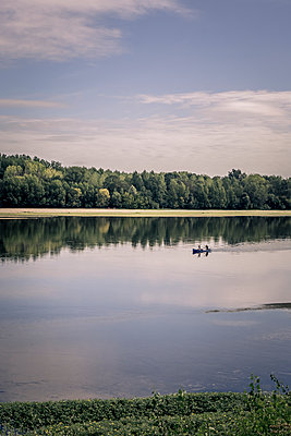France, Rowing on the Loire - p1402m2205889 by Jerome Paressant