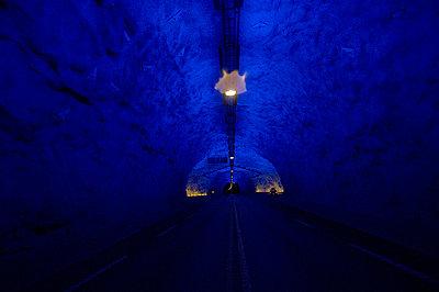 Tunnel - p1003m736076 by Terje Rakke