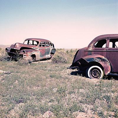 Schrottautos in der Wüste von Nevada - p342m889694 von Thorsten Marquardt