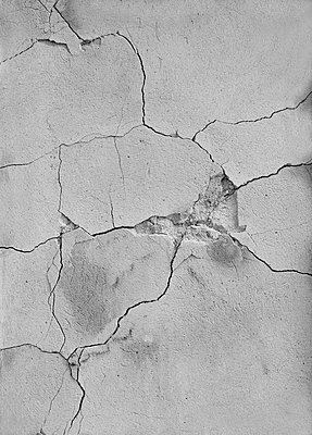 Broken wall - p444m1041395 by Müggenburg