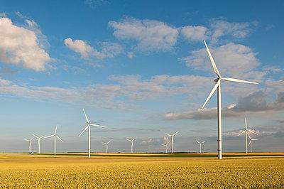 Windkraft, Germinon - p1079m1074160 von Ulrich Mertens