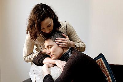 Lesbian couple - p445m1222109 by Marie Docher