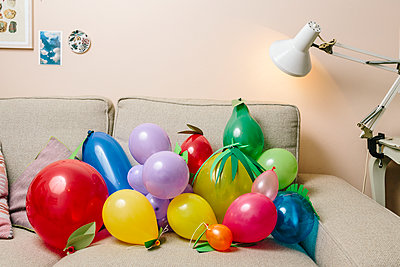 Children's birthday party with many balloons - p1085m2172984 by David Carreno Hansen