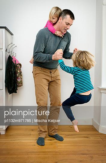 Familienbande - p1132m971785 von Mischa Keijser