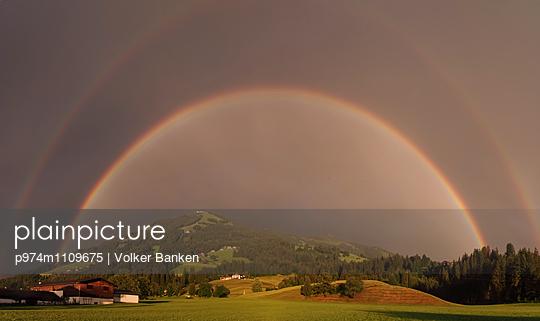 Regenbogen - p974m1109675 von Volker Banken