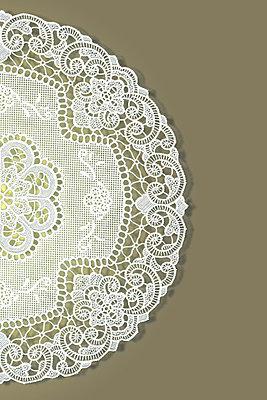 Collage aus Spitzendeckchen - p4150448 von Tanja Luther