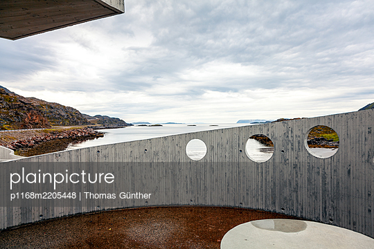Rest area and artwork, Finnmark, Norway - p1168m2205448 by Thomas Günther