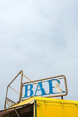Bar - p949m951748 von Frauke Schumann