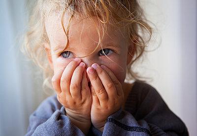 Portrait of toddler girl - p972m1160320 by Joakim Sidenvall