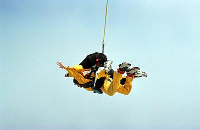 Skydiving - p0450054 by Jasmin Sander