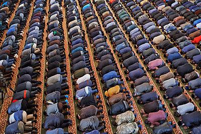 Freitagsgebet in der Moschee in Grosny - p390m1092839 von Frank Herfort