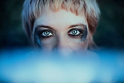 Woman, Eye Make-up - p1581m2159128 by sollenaphotography