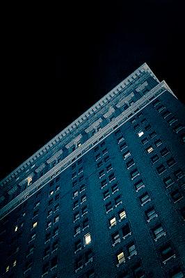 Wohnblock in New York - p470m2185023 von Ingrid Michel