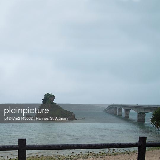 Yagaji Island - p1247m2143002 by Hannes S. Altmann