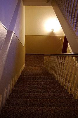 Treppe nach unten - p9792028 von Schoplick