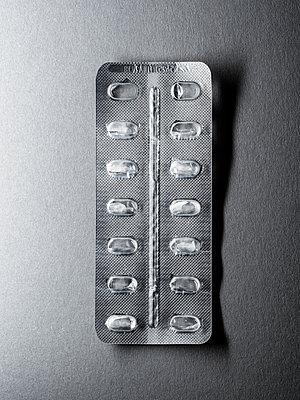 Leere Bilsterpackung - p536m1362391 von Schiesswohl