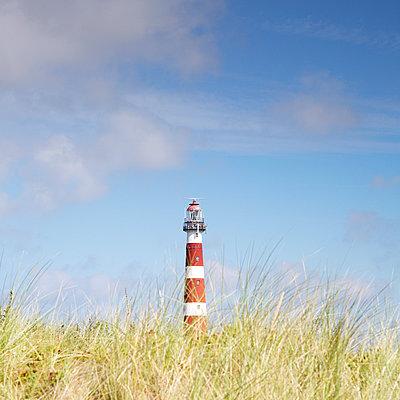 Leuchtturm auf der Insel Ameland - p606m1217646 von Iris Friedrich