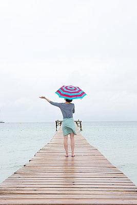 Is it still raining? - p454m1528847 by Lubitz + Dorner