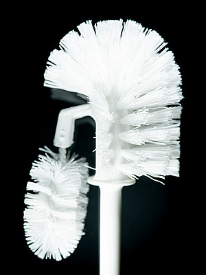Toilet brush - p401m2191431 by Frank Baquet
