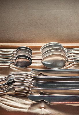 Cutlery in a box - p971m1220611 by Reilika Landen