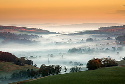 Singleton Valley in the mist at sunrise - p1516m2158244 by Philip Bedford