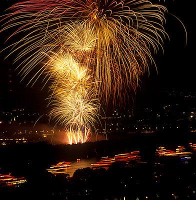 Fireworks - p2200044 by Kai Jabs