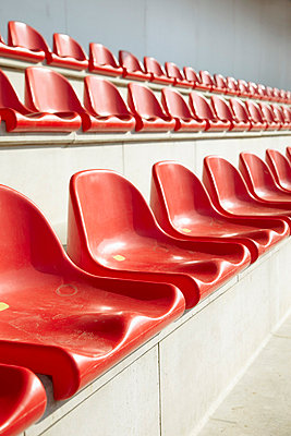 Red seats - p4641687 by Elektrons 08