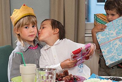 Happy Birthday - p1107m899663 von Barbara von Woellwarth