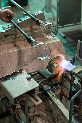 Glass factory - p1216m2260931 von Céleste Manet