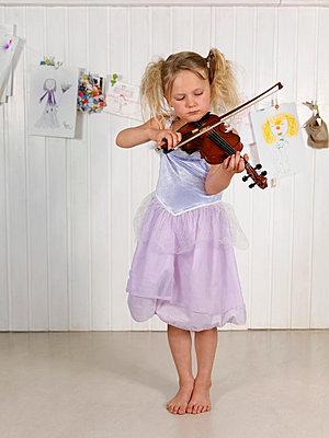 Strap dress - p406m710186 by clack