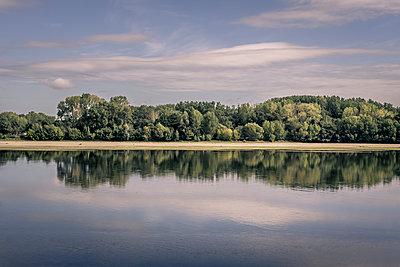 France, Loire - p1402m2205887 by Jerome Paressant
