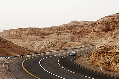 Israel, View of mountain road - p300m879469 by Tom Hoenig